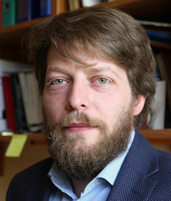 dr Bartosz Ogórek